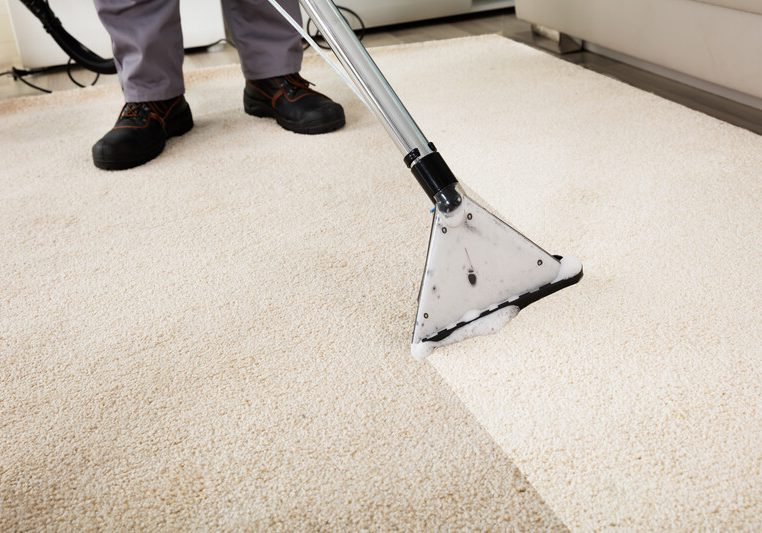 carpet-cleaning-canstockphoto43814730