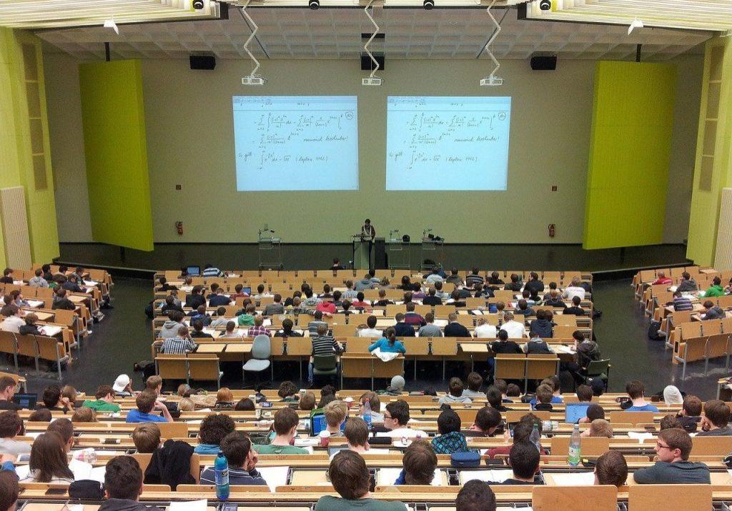 classroom university-105709_1280
