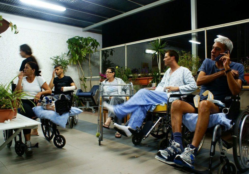 hospital-disabled-72211_1280